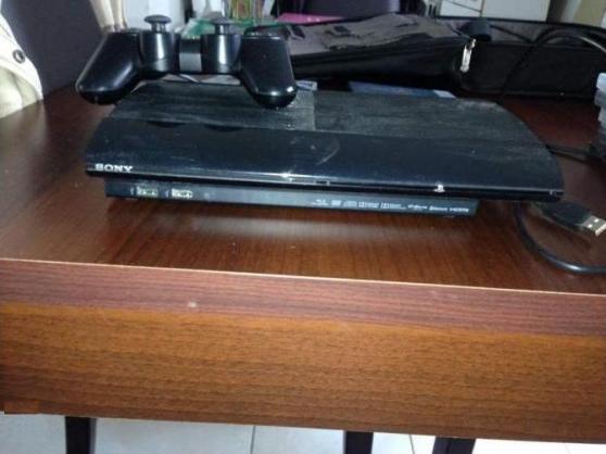 PS3 ultrat-slim 160Go avec 25 jeux