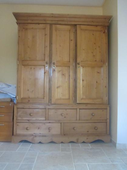 Annonce occasion, vente ou achat 'armoire 3 portes 5 tiroirs'