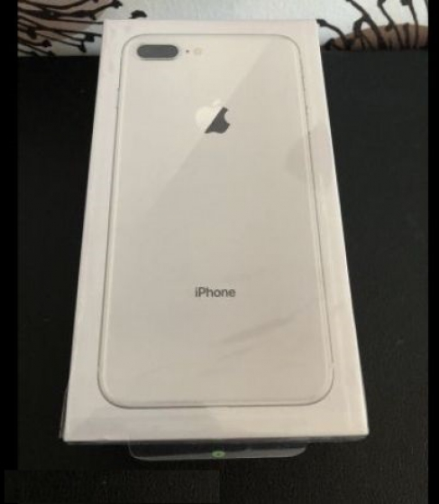Annonce occasion, vente ou achat 'iPhone 8 Plus Gris Argenté NEUF SOUS BLI'