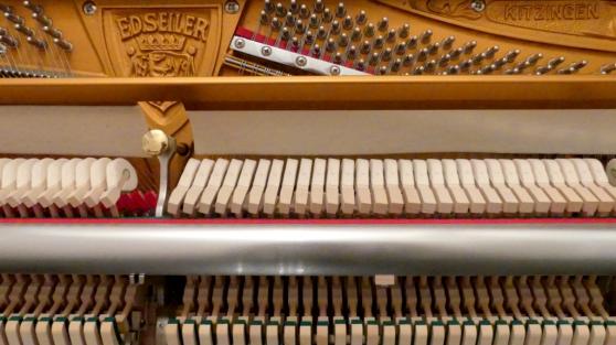 Piano droit de Prestige sous garantie - Photo 2
