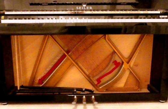 Piano droit de Prestige sous garantie - Photo 3