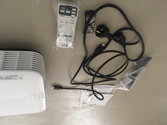 Projecteur Epson EB-2155W professionnel - Photo 2