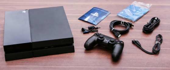 Sony PlayStation 4 (PS4) avec disque dur