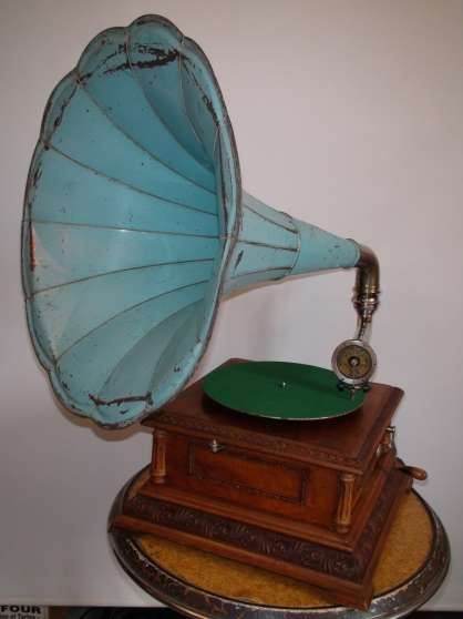 phonographe gramophone antiquit art brocantes. Black Bedroom Furniture Sets. Home Design Ideas