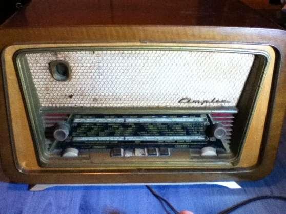 Radio ancienne en état de marche