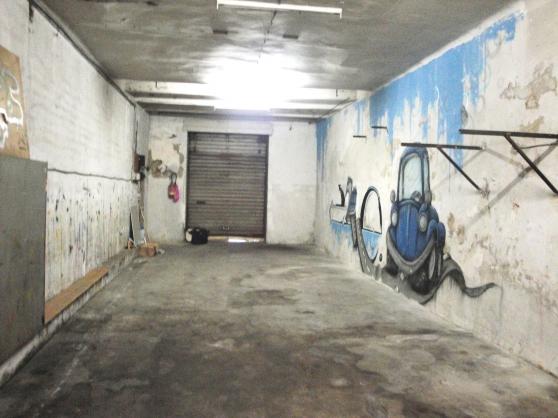 Entrepot garage ou local commercial marseille for Garage moto marseille