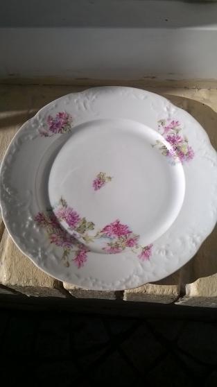 10 assiettes plates - Annonce gratuite marche.fr
