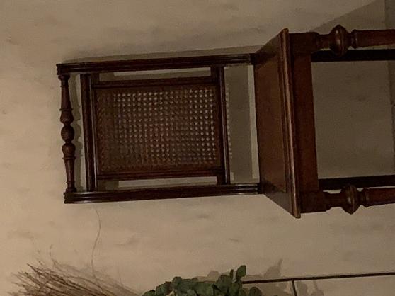 Ancienne chaise décorative