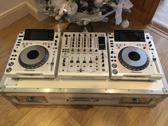 2 Platines cdj 2000 et 1 Mixer djm900