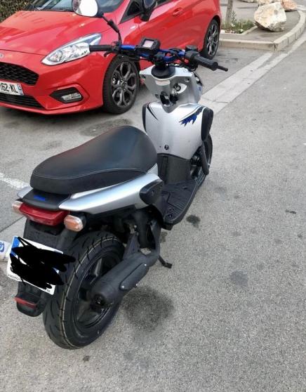 scooter stunt gris noir etat bon
