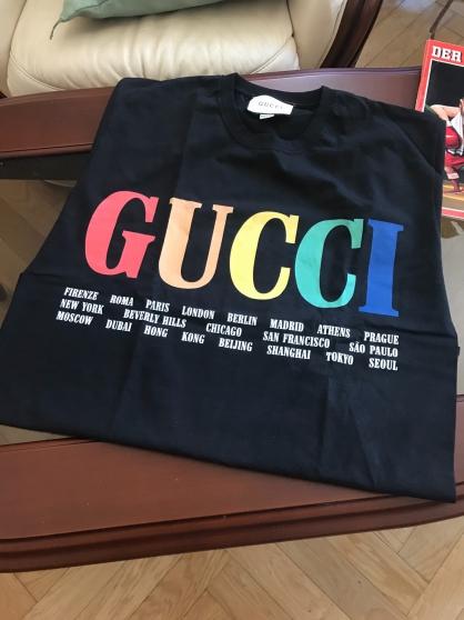 """Neuf Gucci GG Tee-shirt """"S"""" logo villes"""