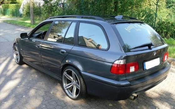 BMW 528 iA touring