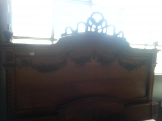 Tr s jolie chambre coucher ancienne tourrettes meubles for Jolie chambre a coucher