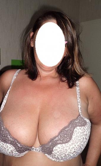 femme ronde avec gros seins tres chaude