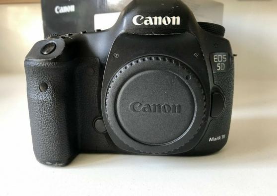 Canon 5D Mark iii avec accessoires neuf