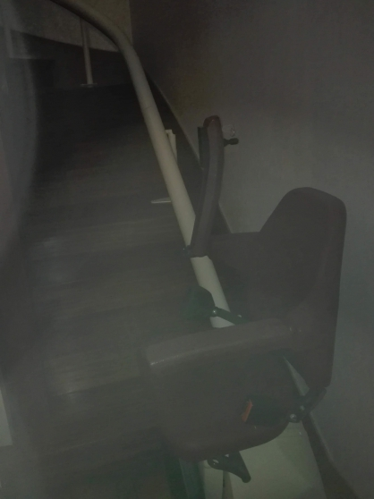 Monte escalier tournant peux servi