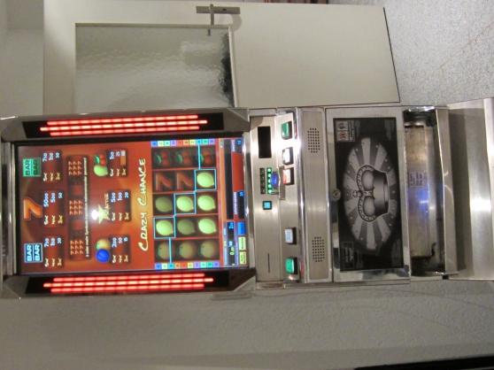 Annonce occasion, vente ou achat 'machine a sous 12 jeux avec poker'