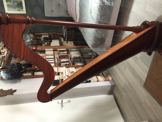 Annonce occasion, vente ou achat 'Harpe celtique Mademoiselle de chez Cama'