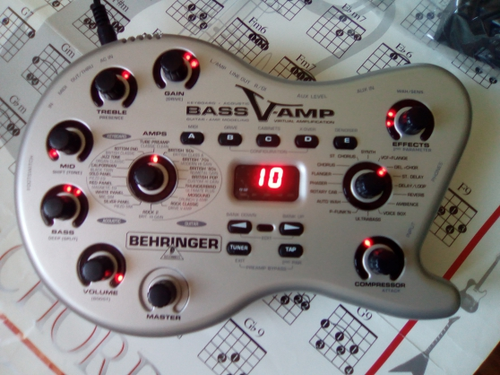 Annonce occasion, vente ou achat 'BEHRINGER BASS-V-AMP'