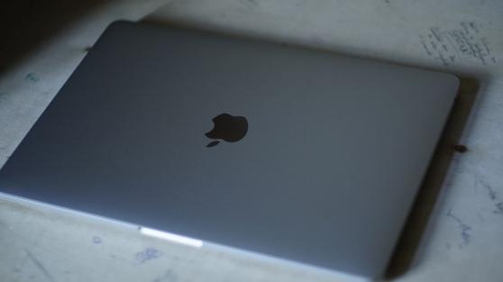 Annonce occasion, vente ou achat 'MacBook Pro 13 \'\', 256 Go, 16 RAM'
