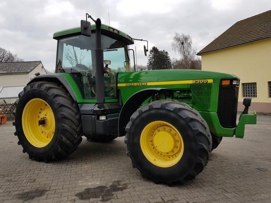Vend de tracteur John Deere 8300 power