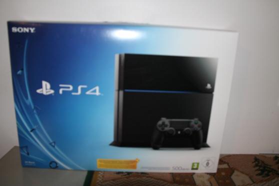 PS4 noire neuve