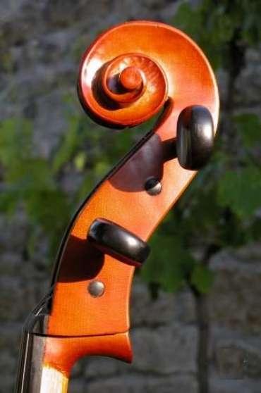 Violoncelle débutant signé par le Luthie