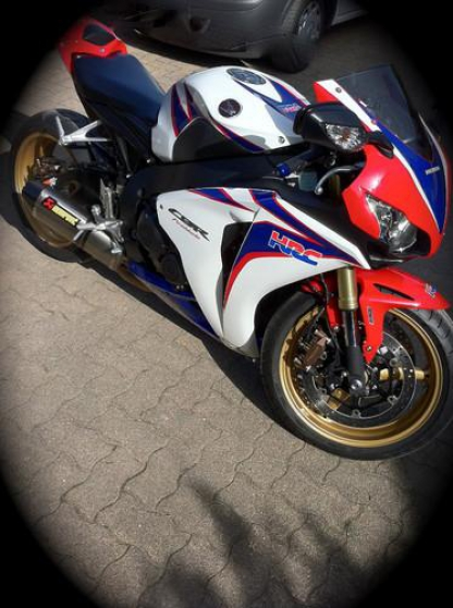 Annonce occasion, vente ou achat 'Honda cbr 1000 rr hrc abs'