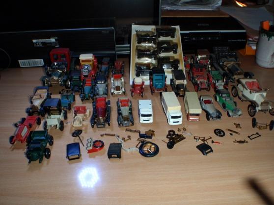 Lot de 36 voitures modéles réduits