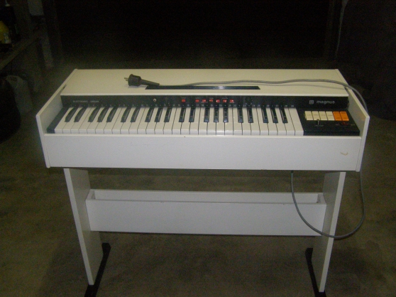 Annonce occasion, vente ou achat 'Piano Electrique'