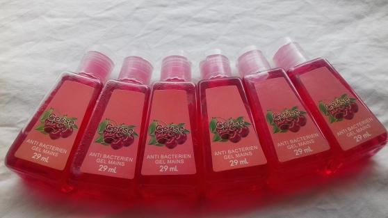 Annonce occasion, vente ou achat 'Lot (100) Gel Antibactérien 29 ml. Pêche'