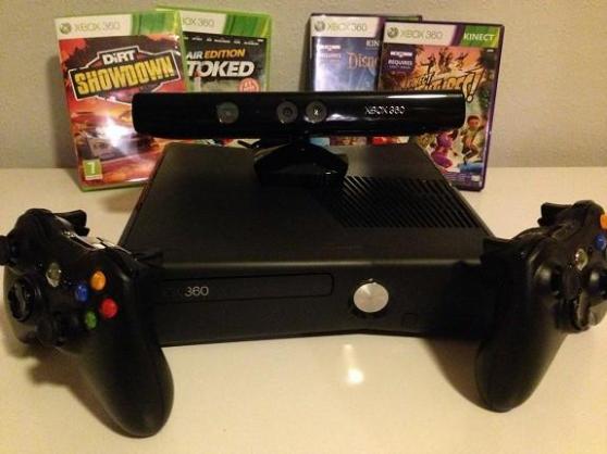 Xbox-360-slim+ 2 manettes+ 4 jeux