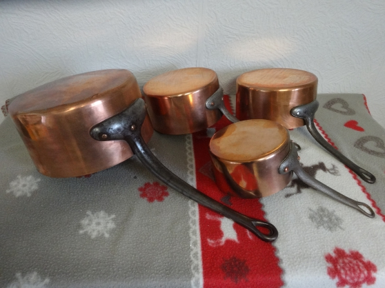 LOT DE QUATRE CASSEROLES CUIVRE - Photo 1