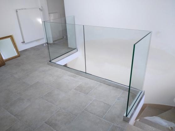 Garde corps en verre sur rail 1 m - Photo 2