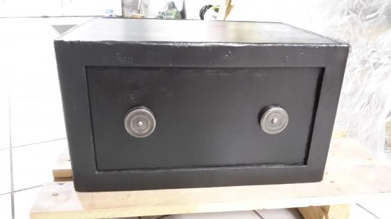 petit coffre fort ancien r vis livrable antiquit art brocantes divers moult reference. Black Bedroom Furniture Sets. Home Design Ideas