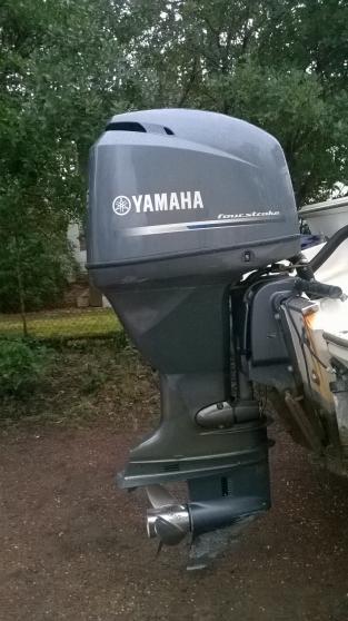 Moteur YAMAHA hors bord 115 CV