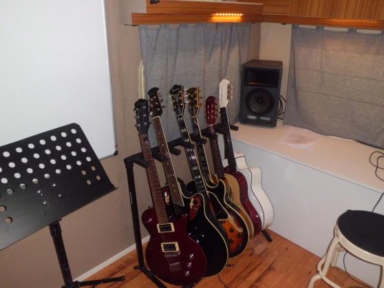cours de guitare sur laudun 30 - Annonce gratuite marche.fr