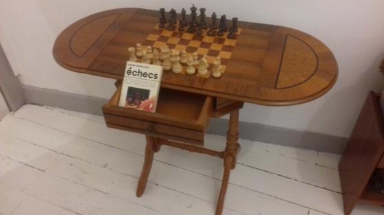 Annonce occasion, vente ou achat 'Table de jeu d\'\'échec'