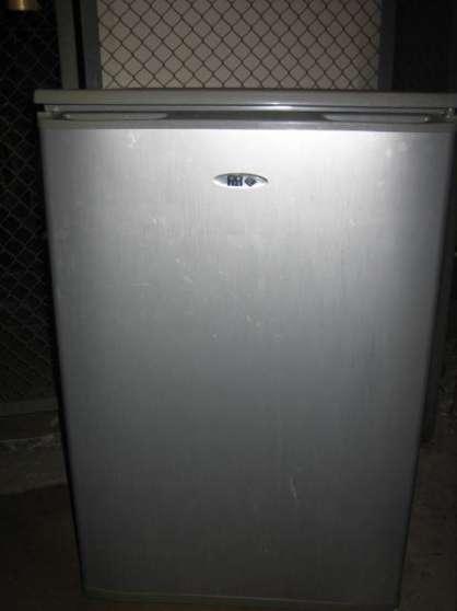 frigo far gris r frig rateur cong la electrom nager. Black Bedroom Furniture Sets. Home Design Ideas