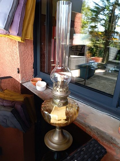 Lampe à huile ancienne