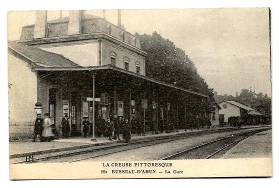 BUSSEAU-D'AHUN (23) - La Gare
