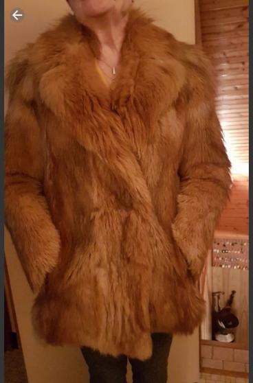manteau en loup doré