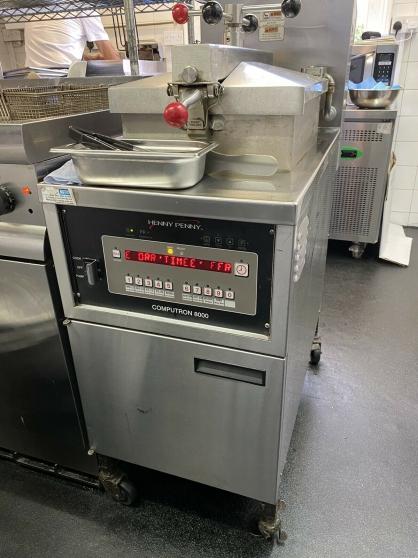 Henny Penny Pressure Fryer 3 Phase