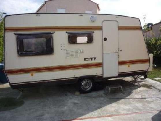 caravane burstner city 1982 auvent so caravanes camping car caravanes burstner lons le. Black Bedroom Furniture Sets. Home Design Ideas