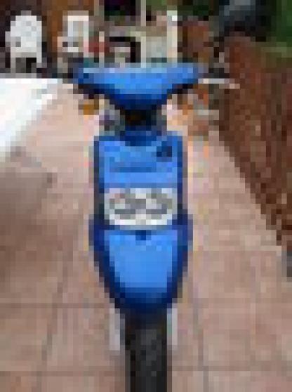 scooter spirit bleu ....