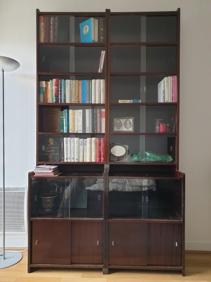 Bibliothèque en 4 éléments montés.