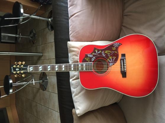 Gibson Hummingbird Cherry Quilt