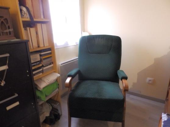 Annonce occasion, vente ou achat 'fauteuil velours vert'