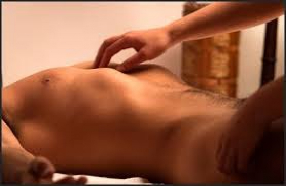 Massage du lingam par masseur expert