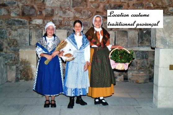 Location costume Provençal